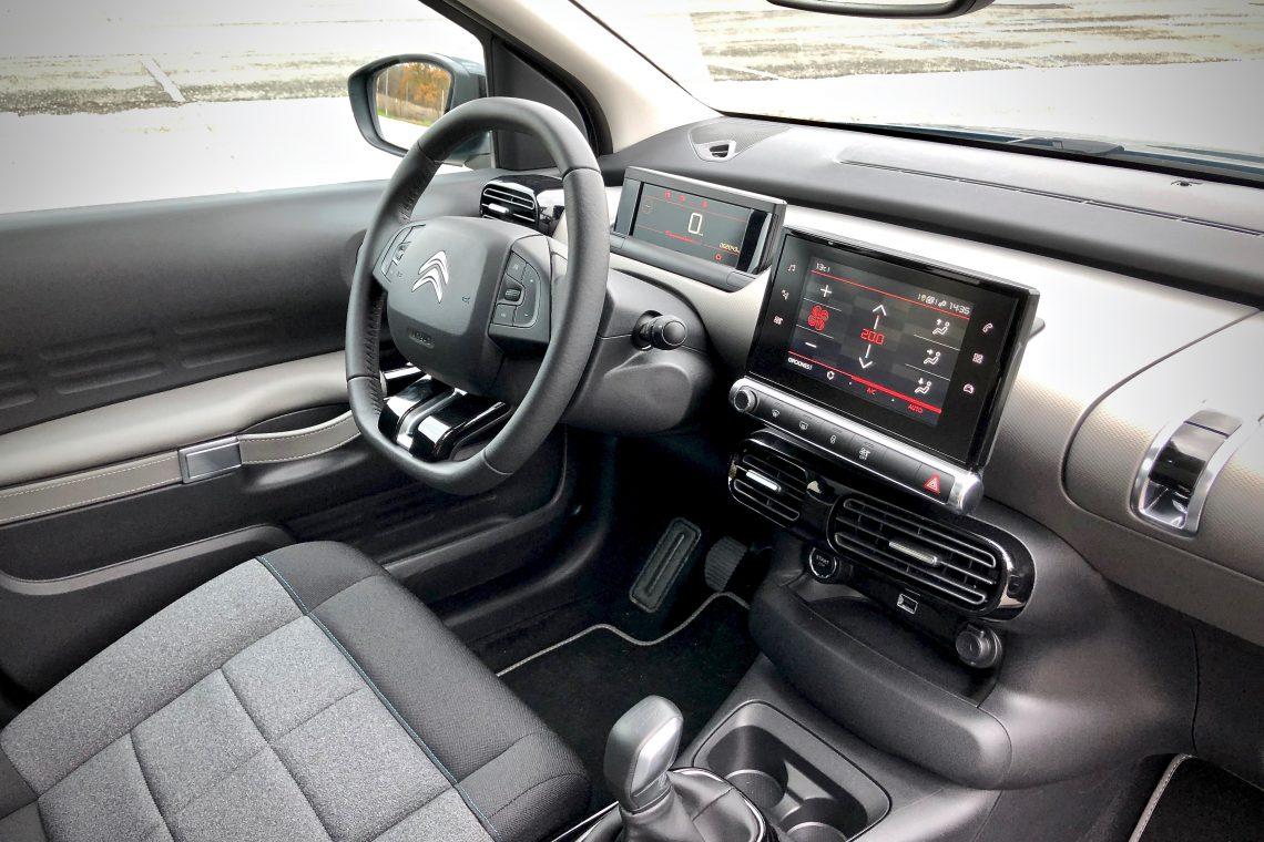 Puesto de conduccio%CC%81n 1140x760 - Citroën C4 Cactus