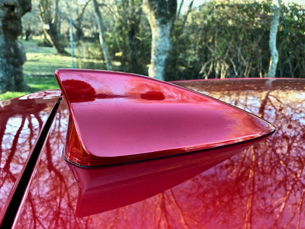 Antena de aleta de tiburo%CC%81n Mazda2 1260x945 - Mazda2 Zenith 1.5 Skyactiv-G 90 CV